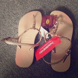 Shoes - Brand new sand grey havaiianas. So cute!